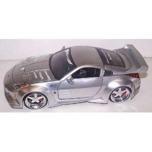 Jada Toys 1/24 Scale Diecast Dub City 2003 Nissan 350z in Color Silver