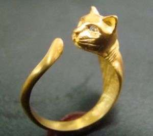 14k Gold Cat ring with diamond eyes. very unique