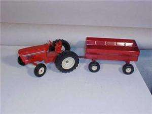 ERTL RED TRACTOR & TRAILER 415 18 4 34 Toy Diecast NR