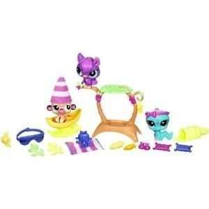 Littlest Pet Shop Figures Themed Playset Garden Sleepover