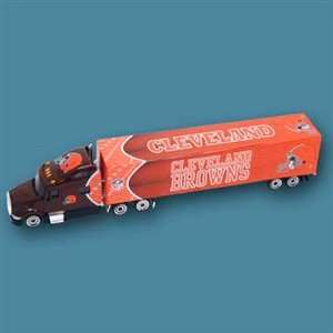 CLEVELAND BROWNS NFL 2010 Diecast Tractor Trailer Truck 180 Scale By